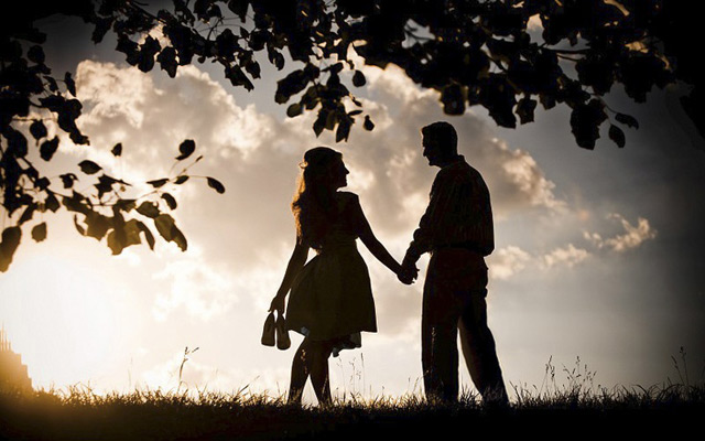 Silhouette and Shadow Engagement Photos ~ we ♥ this! moncheribridals.com