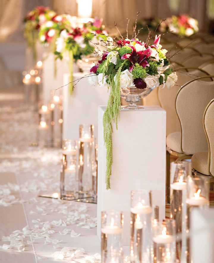 Fabulous Floating Candle Ideas for Weddings  ~ we ♥ this! moncheribridals.com