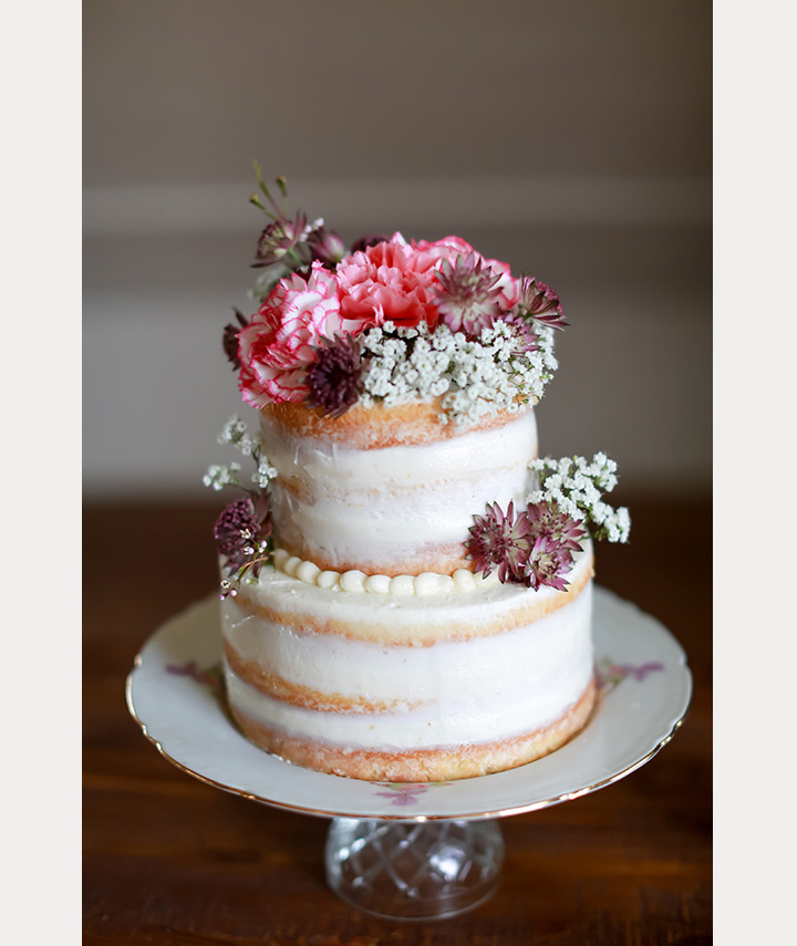 10 Sensational Semi-Naked Wedding Cakes ~ we ❤ this! moncheribridals.com