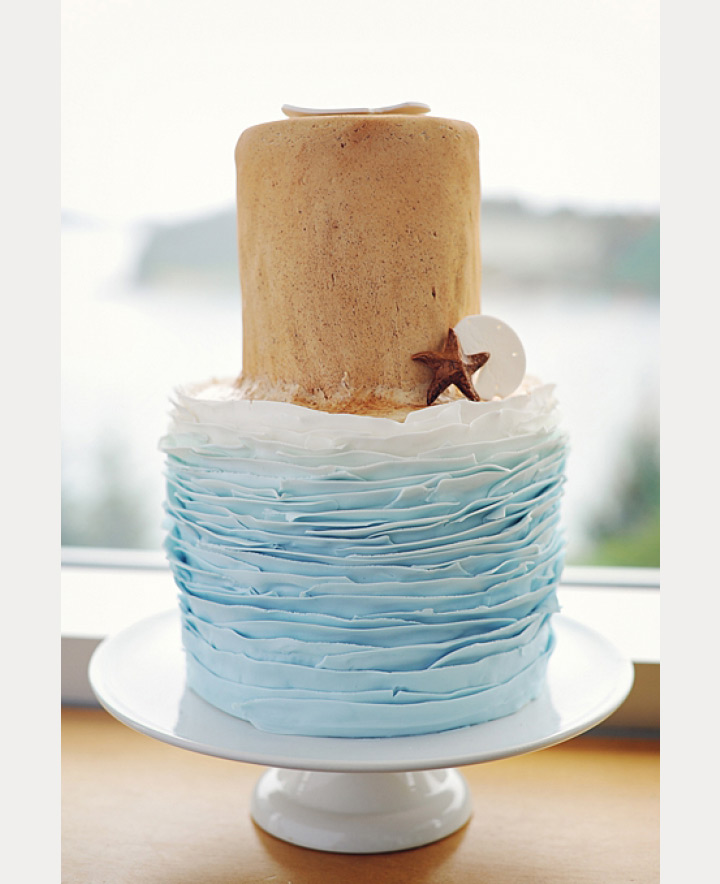 ruffle beach wedding cake ~ we ❤ this! moncheribridals.com