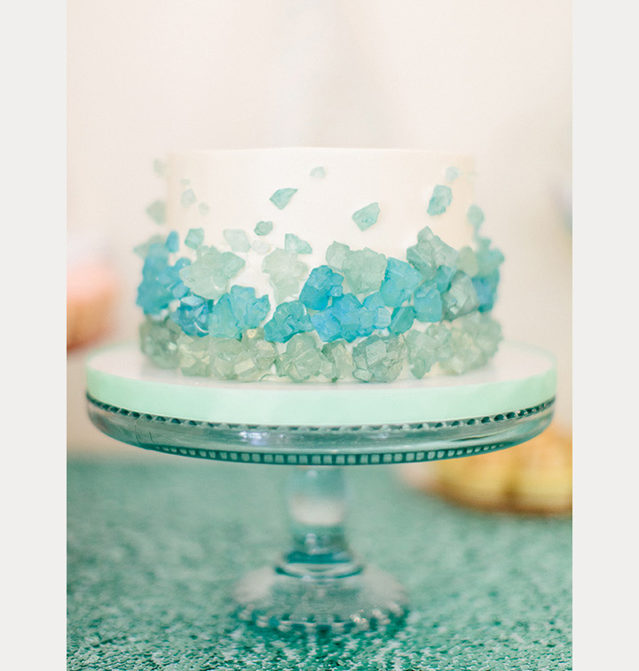 sea glass beach wedding cake ~ we ❤ this! moncheribridals.com