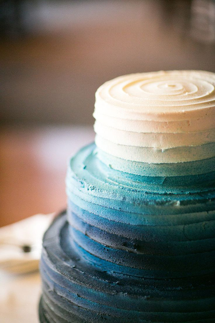 ombre beach wedding cake ~ we ❤ this! moncheribridals.com