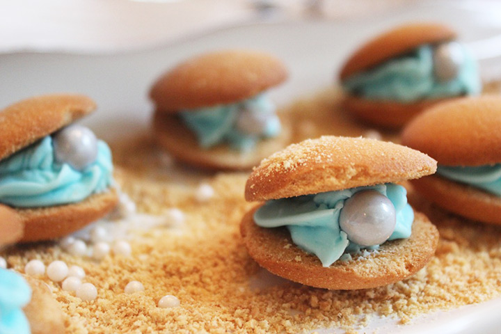 beach wedding cookies ~ we ❤ this! moncheribridals.com