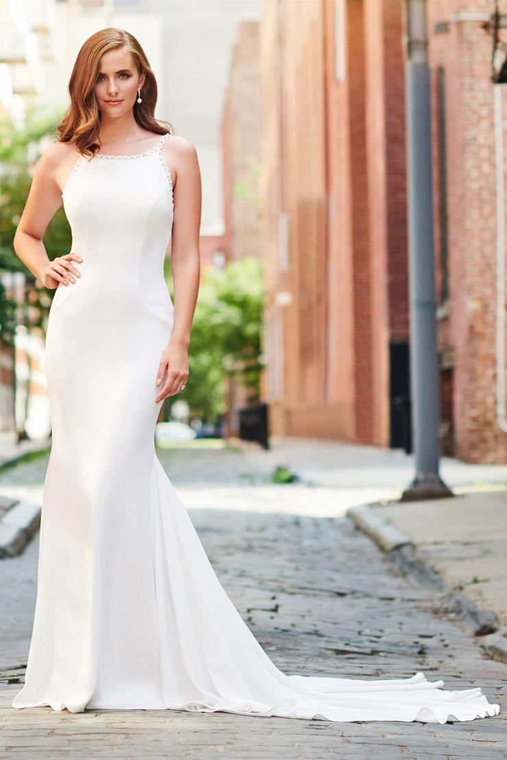 Chic Crepe Trumpet Gown with Pearl Trim